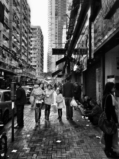 Streetphoto_bw Streetphotography Street Photography Street EyeEm Streets Hong Kong Street Photography Hong Kong I Love Hong Kong Family