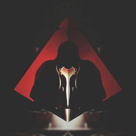 Absorbiendo 🍃 Night Luz Demon darkness and light Red Room Yo Mimenteexplosiva Boys Boy Men Astrology Sign Red Full Length Close-up Modern Art Human Representation Statue Idol