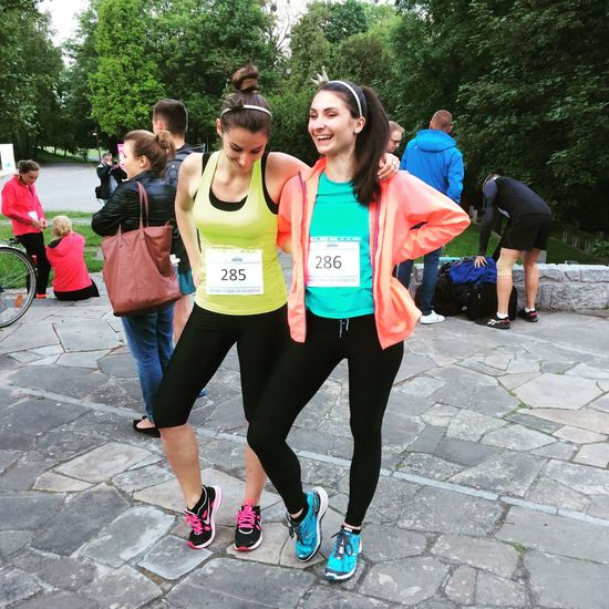 Run Running Enjoying Life Beautiful Summer Love Sisters Sport Having Fun Happy People