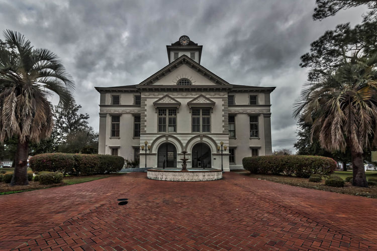 This Courthouse