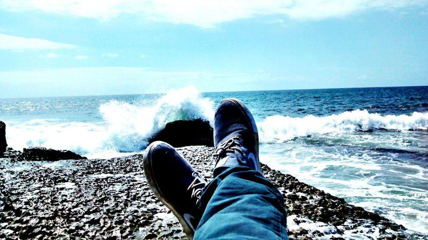 This is how i kick it haha Kick It! Relaxing Kick Back Cliff Cliffs Waves Water Ocean Beach Sunnydays