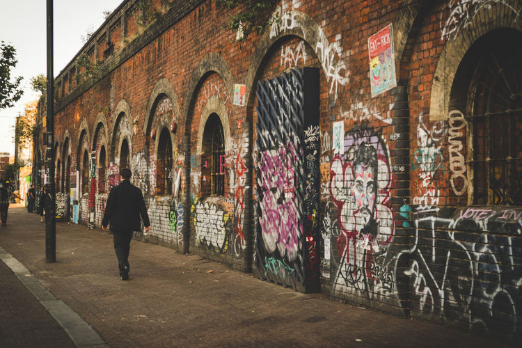 Adapted To The City Arch Architecture Beauty In Nature Check This Out City Fine Art Photography Graffiti Graffiti Art London London Lifestyle LONDON❤ Outdoors Real People Rear View Shoreditch Sonyalpha Street Streetart Streetphotography Travel Destinations Miles Away The Street Photographer - 2017 EyeEm Awards The Architect - 2017 EyeEm Awards EyeEm LOST IN London Your Ticket To Europe Postcode Postcards