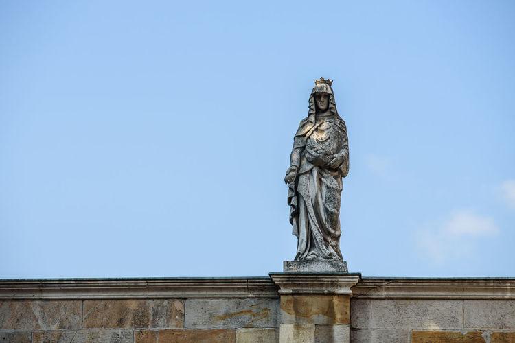 Statue Statues
