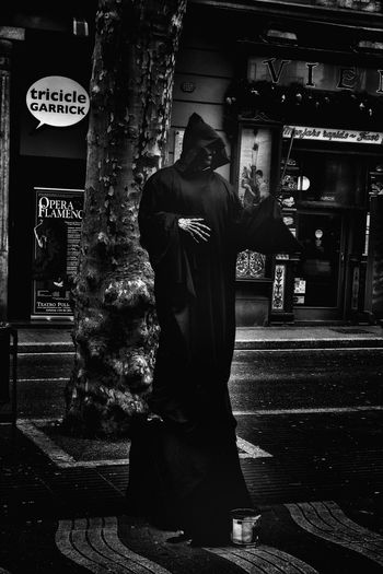 Showcase: November Streetphotography Black And White Photography Street Artist Performer  Beware Death Note B&w Street Photography - Laramblas Barcelona