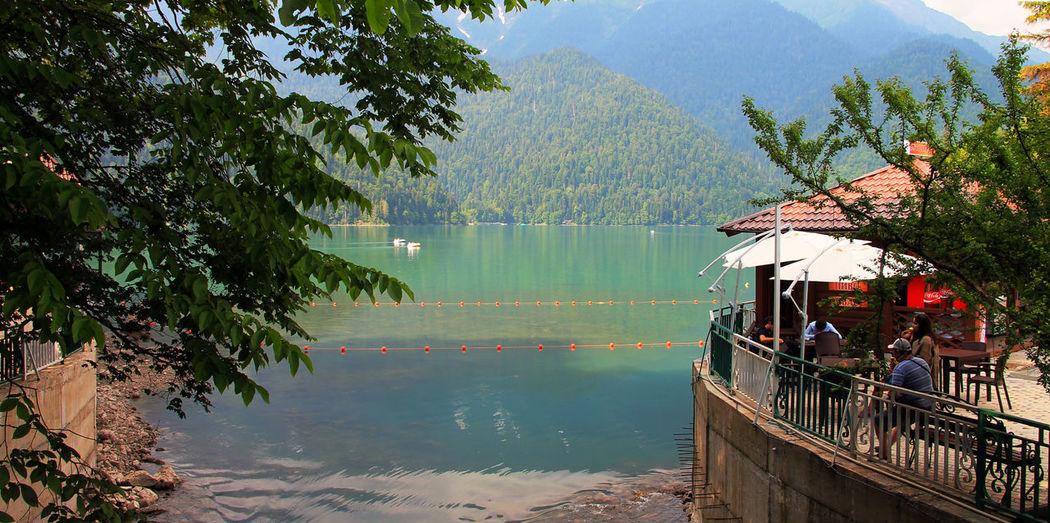 Горное озеро Рица