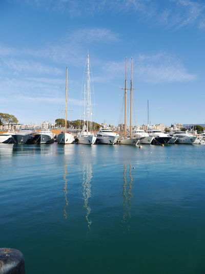 Feliz día ! Reflection Reflections In The Water Shades Of Winter Nautical Vessel Water Sea Marina Harbor Mode Of Transport No People Yacht Tranquil Scene Tranquility