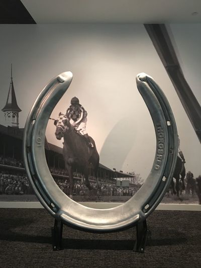 Church Famous Place Horse Trailer Horseshoe Metal Muse Sculpture