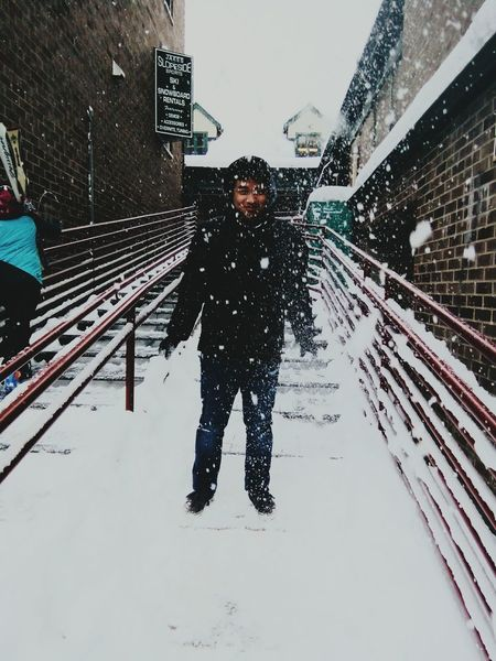 One Person One Man Only City Only Men Wet Day Outdoors Winter Snowing Warm Clothing Taking Photos POTD Relaxing Photography Snow Cold Temperature Snowfall Parkcityutah EyeEmNewHere The City Light The Great Outdoors - 2017 EyeEm Awards Live For The Story The Portraitist - 2017 EyeEm Awards Lost In The Landscape Connected By Travel EyeEmNewHere