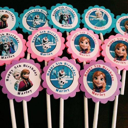 "Perfect bday planning underway! My baby is turning 5! I have a little under 2 months to plan the best ""Frozen"" birthday party ever! ???????❄❄❄ MarleyJ Anythingformygirl Disney Frozen birthdayfun!"