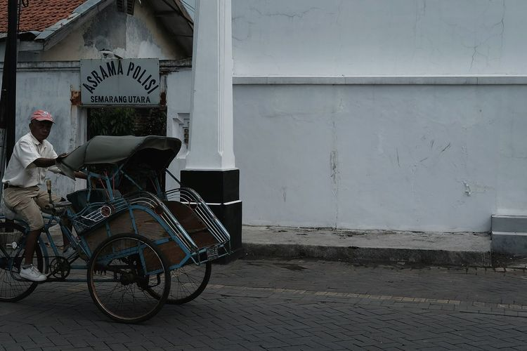 EyeEmNewHere Becak INDONESIA Built Structure Building Exterior Day Police Policedormitory Semarang Connected By Travel The Street Photographer - 2018 EyeEm Awards The Traveler - 2018 EyeEm Awards