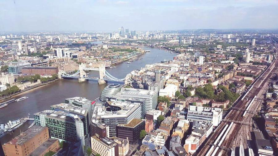 UK Diaries 8.24 Theshardlondon Hightea Travelling United Kingdom LONDON❤ Samsung Galaxy S6 Edge Samsungphotography Thames London Bridge Birdseyeview Viewfromtheshard Flying High