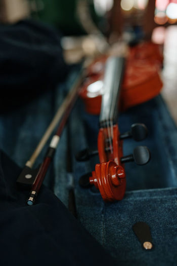 Violin Music Musical Instrument Musician Musical Equipment Arts Culture And Entertainment Still Life School Education String Instrument Focus On Foreground Wood - Material Close-up Indoors  Selective Focus Musical Instrument String String Bow - Musical Equipment Guitar Day Learning Skill  Analogue Sound