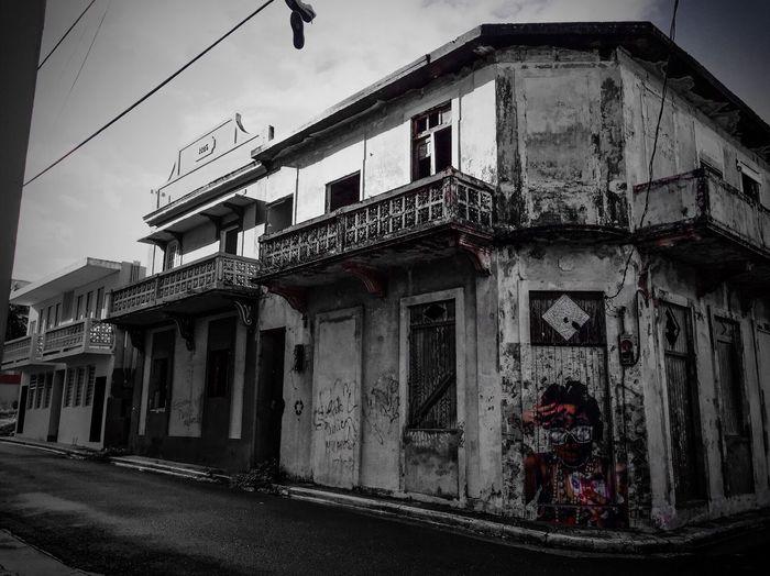 Visiting Arecibo. Arecibo Puerto Rico Prphotoproject Meganvazquezphoto Puertoricotourism Discoverpuertorico Traveling Colors Graffiti Blackandwhite
