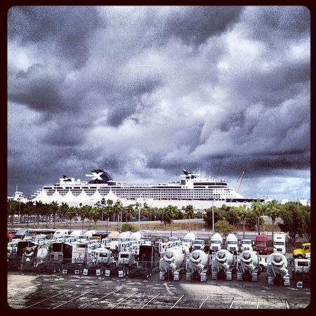 Cloudy day at the port :(