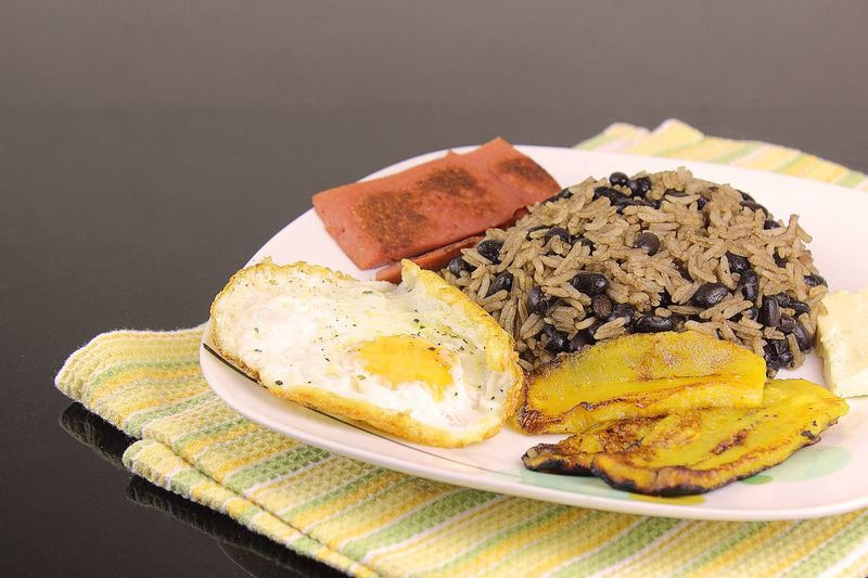 Costarican traditional food Food Gallop Into Gallo Pinto Rice And Beans No People Platano Egg Huevo Arroz Y Frijoles Costaricanfood