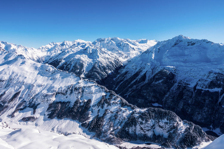 View over Hasliberg Ski Holiday Snow Winter Cold Temperature Mountain Scenics - Nature Mountain Range Beauty In Nature Sky Snowcapped Mountain Nature Environment Tranquil Scene Day Tranquility No People Landscape Blue Clear Sky Mountain Peak Outdoors Mountain Ridge Rx100m5 Beautiful Nature Swiss Switzerland Switzerlandpictures Swiss Alps Swiss Mountains