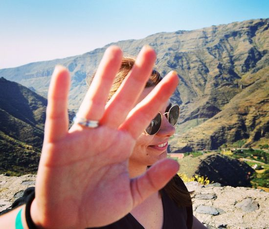 😂😂 EyeEm Selects Human Hand Women Sunlight Close-up Sky Geology Eroded Geyser Canyon Sandstone Physical Geography Peace Sign - Gesture Painting Fingernails Personal Perspective EyeEmNewHere