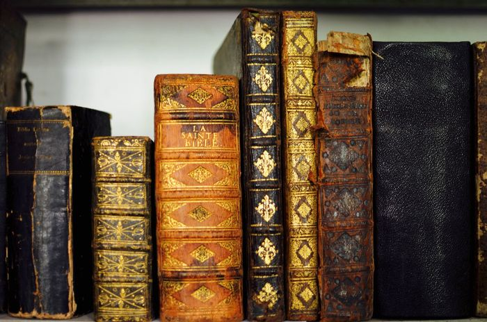 Books Centuries Old Collection Decorative Golden Library Old Books Rare Beauty Used Books