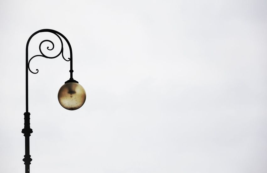 A B S E N C E No People Hanging Abstract Streetphotography Outdoors Mantova Italy City Life Nikond3300
