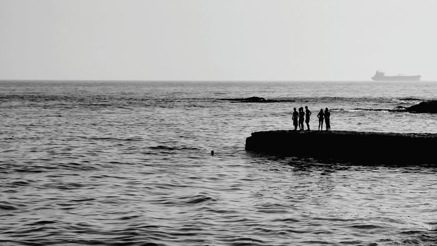 Diving to te water pear diving into water people monochrome Black & White black and white monochrome photography monochrome _ collection monochrome Carcavelos Portugal carcavelos beach Carcavelo The Week on EyeEm Week On Eyeem Pear Diving Into Water People Monochrome Black & White Black And White Monochrome _ Collection Monochrome Carcavelos Portugal Carcavelos Beach Carcavelos Portugal Water Sea Beach Full Length Men Wave Silhouette Standing Sky Horizon Over Water Seascape Tide Coastal Feature Coast Coastline