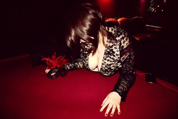Lady at the Lodge #CrystalLodgeBrothel Melbourne Portrait Portrait Of A Woman Boobiiiees! Lady Of The Night Escortlife Lady Brothel Pool Table Mask Brunette Nail Polish Lowlight Anonymous Girl Anonymous Sexworker Portrait Red Capture Tomorrow
