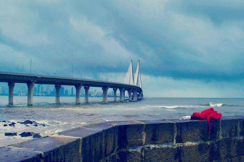 Mumbai meri jaan Bridge - Man Made Structure Sea Sky Water Architecture Cloud - Sky Horizon Over Water Scenics Built Structure Outdoors Mumbai Mumbaimerijaan Mumbaikar Sealink Monsoon Drenched_in_rain ILoveMumbai Redumbrella Skyline Skyline Drive Skylinemumbai No People Freshness Fresh Air And Sunshine Clouds