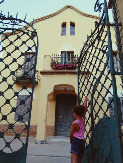 my 👸✨🏰 Portrait Children #littlegirl #SummerTime #EyeEm #portrait #model Babygirl Catalunya Raconsde_catalunya Arquitecture #cityscapes Streetphoto_color Women Rear View Architecture Entrance Open Door Door
