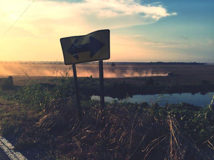 Countryside Plower Arrow Road Dirt