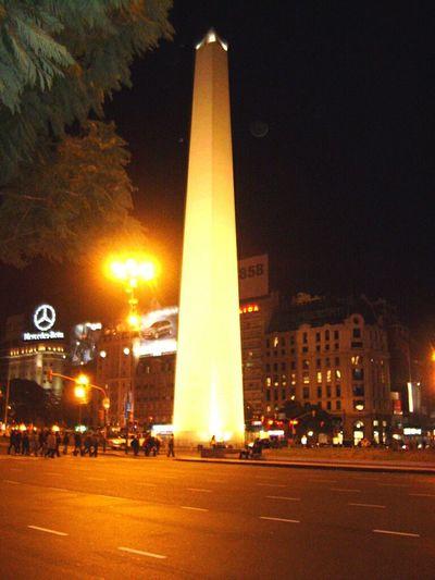 Obelisco na Av.9 De Julho em Buenos Aires