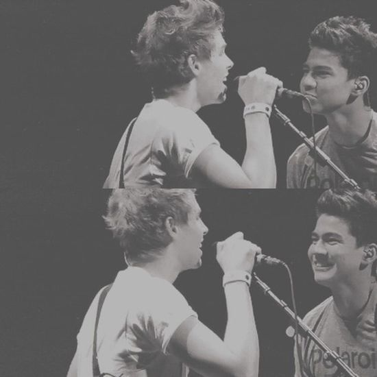 if cake isn't your OTP you're lying to yourself Luke Hemmings Calum Hood 5SOS