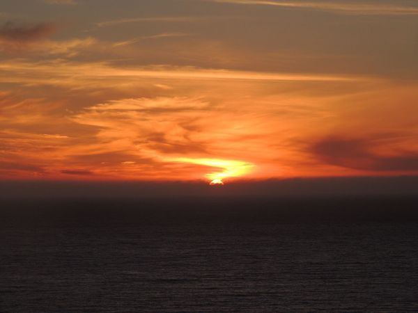 https://youtu.be/WYdYXdRtpA8 Sunset Beautiful Sunset Sunset Silhouettes Sunset Fire  Sun Through The Clouds Sunset And Sea Enjoying The Sunset Sunset And Clouds  In Front Of Me Sea View... Love It!  The Purist (no Edit, No Filter) Reñaca Beach , Chile