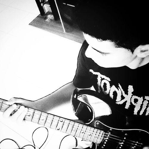 Guitarra }{