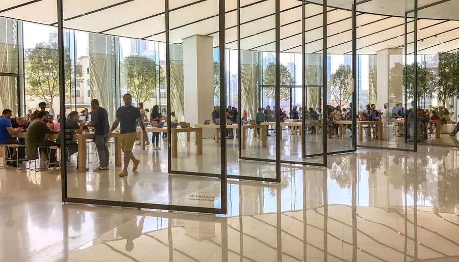 Reflection Indoors  Architecture Built Structure Large Group Of People People Men Adults Only Day Women Adult Modern Group Of People Standing Lifestyles Water City Cityscape Young Adult applestore