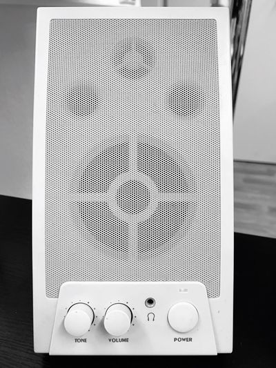 Speaker Sound Sound Of Life Lautsprecher Music IPhoneography Office Officelife Blackandwhite Black And White Black & White Blackandwhite Photography Black And White Photography Black&white Technology Close-up Indoors  No People Iphone7 Turn In The Music