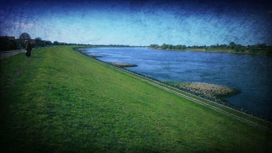 River Elbe Deich  Mein Schlittenberg Von Früher