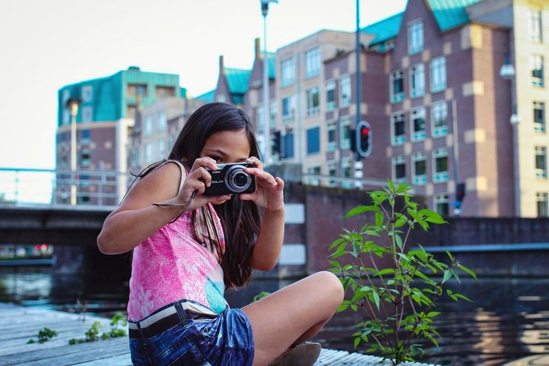 Building Exterior Built Structure City Camera - Photographic Equipment Architecture Young Adult Daughter Daughters Photography Themes Fun GoodTimes Family Family❤ Family Time Joy Joyful Helmond Netherlands Holland Photo Photography Street Streetphotography Street Photography EyeEm Best Shots
