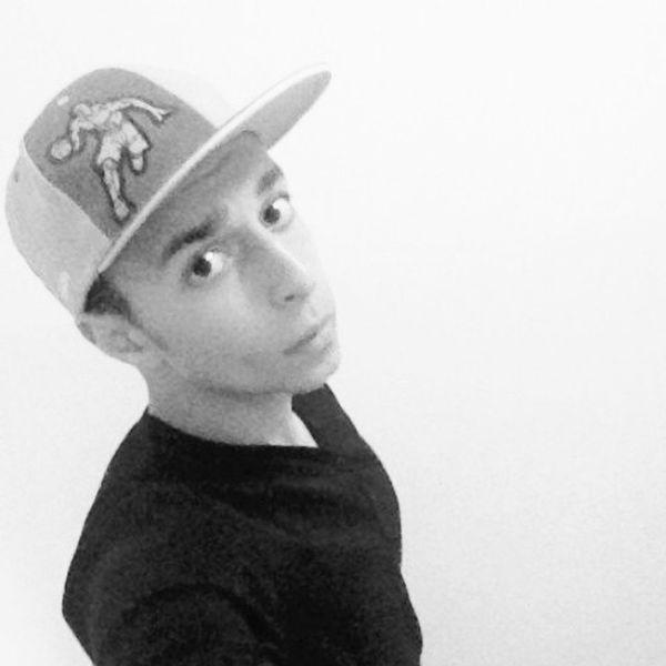 Good_night Follow Like Black whiteinstafanshateyeseskisehiristanbulhashtags