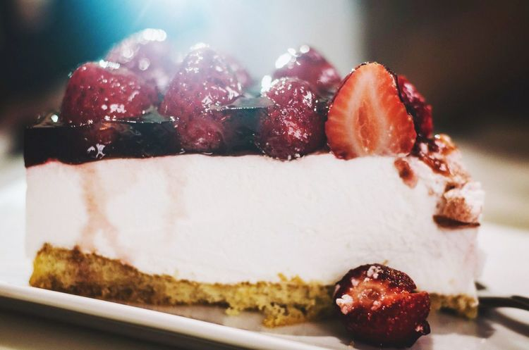 My World Of Food usually I rather have a salty snack, but cheese cakes topped with berries have always been a weakness for me. Nikonphotography Cheesecake♥ Dessert Hello World