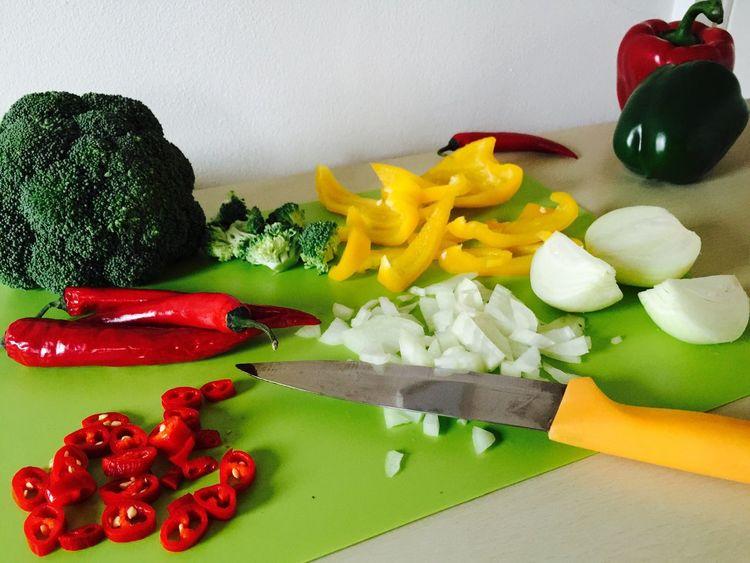 Vegetables Ingredients Preparation  On The Table Raw Food Preparing Food My Kitchen Fresh Produce Freshness Vegetarian Food Veganfoodporn Preparation  Brocolli Peppers Chilles