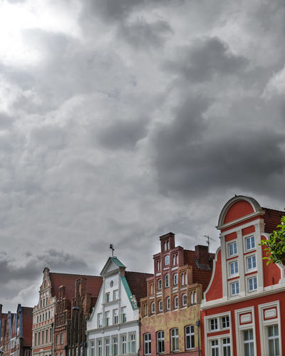 Fachwerkhäuser Lüneburg Architecture Frame House Architecture Building Building Exterior Built Structure City Cloud - Sky Cloudscape Colorportrait Colourpop Day German House House Location Low Angle View Nature No People Outdoors Residential District Row House Sky Storm Storm Cloud Town
