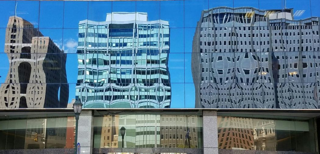 Check This Out Photo Of The Day Eyemphotography Distorted Reflection The City Different View Distortion Architectureporn Architecture Dose