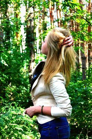 People Summer ☀ Blonde Girl Forest