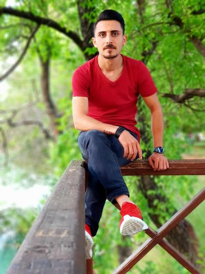 RED Manavgat Antalya Antalya Turkey Manavgat Antalya Side Manavgat Side Side Manavgat Turkey Turkish Instagram Portrait Photography Note8 Note8photography Young Men Only Men Teen Young Adult Cool Tree Men Portrait Summer Youth Culture Red Forest Casual Clothing Tree Trunk Woods Palm Frond Treelined