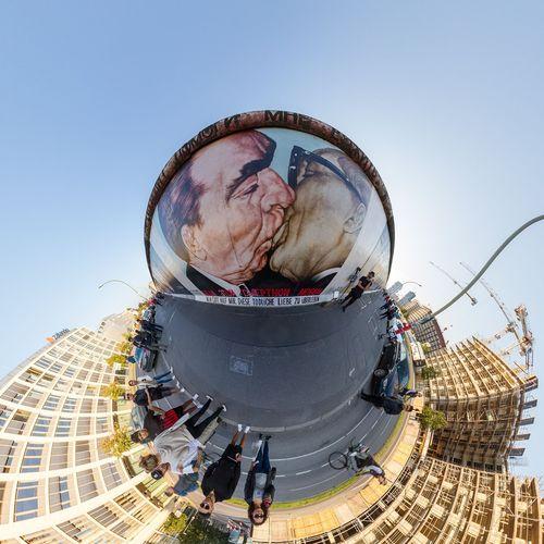 EyeEm Selects Circle People Sky Day Outdoors Berlinwall Eastsidegallery Coldwar Communism DDR DDR Time DDR Grenze GDR GDR Era Border Repression Freedom Kiss Honecker BREZHNEV Socialist Socialist Fraternal Kiss 360 Panorama Urbanpark