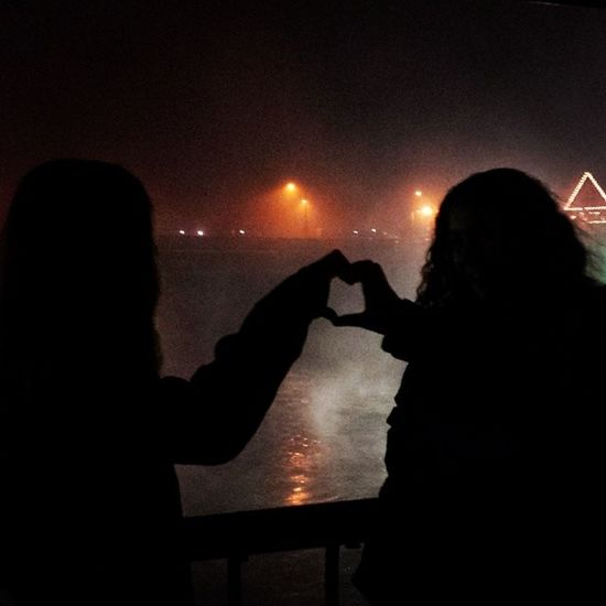 Playing around with the fog and lights Beingartistic Colorful Gonzaga Silhouette Silhouettes Bestfriend