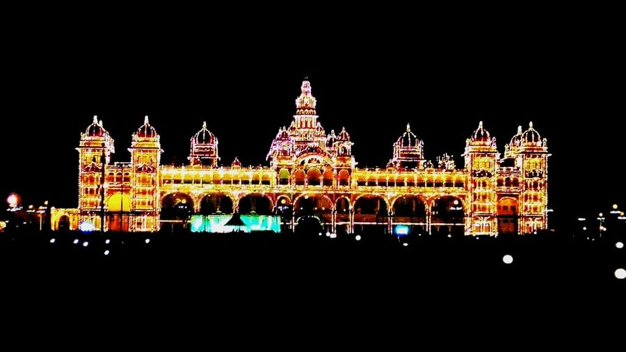 One of the most famous buildings in the world, The Amba Vilas Palace or the Mysore Palace, lit up with a lakh bulbs! Insanne! Namma Mysuru Incredible India Mystic Mysuru A K Raj Foto First Eyeem Photo Paint The Town Yellow Connected By Travel