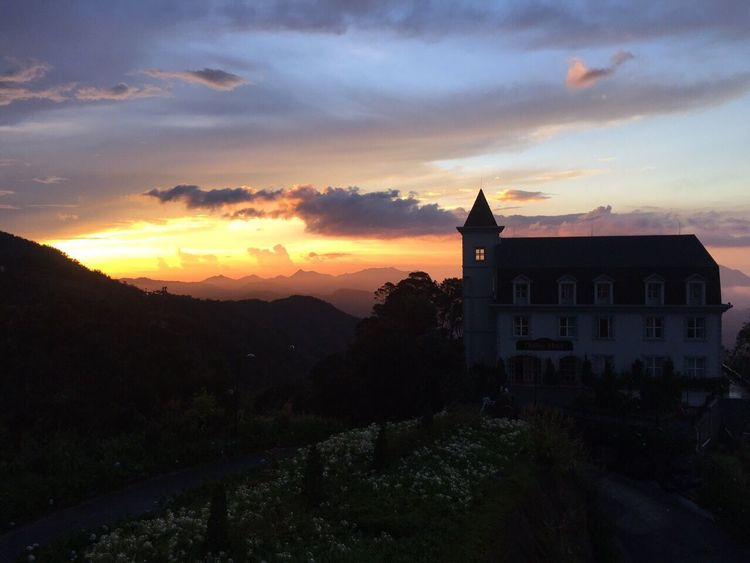 Закат небо горы отель замок