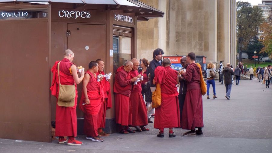 Crêpes party People Watching Streetphotography Red City Life Buddhism