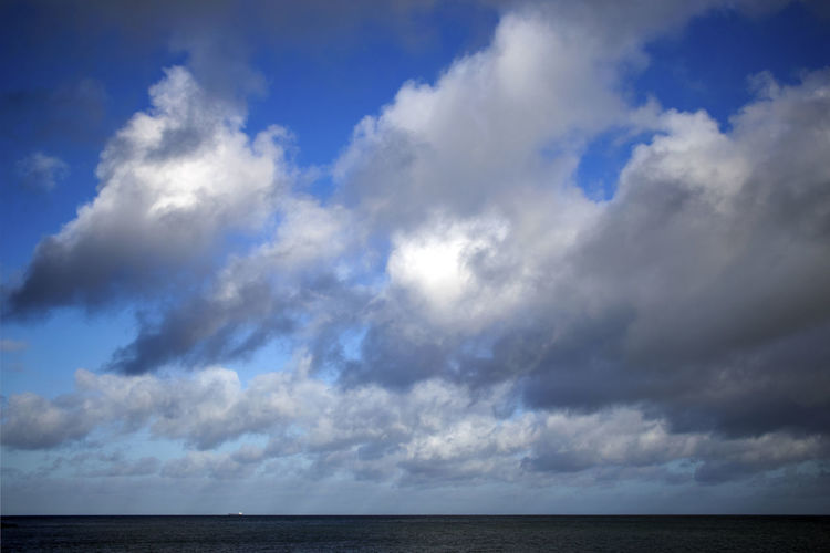Sky Cloud - Sky Horizon Sea Horizon Over Water Water Beauty In Nature Scenics - Nature Tranquility Tranquil Scene Nature Blue No People Cloudscape Day Outdoors Urban Skyline Ominous