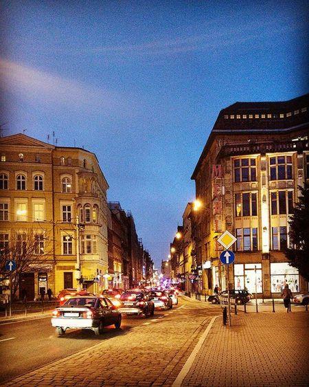 Wrocław by night Dobrywieczorwewroclawiu Goodevening  Onthewayhome Ruska Wroclove Igerswroclaw